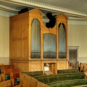 Church Organ Copyright © Dr Raymond Parks